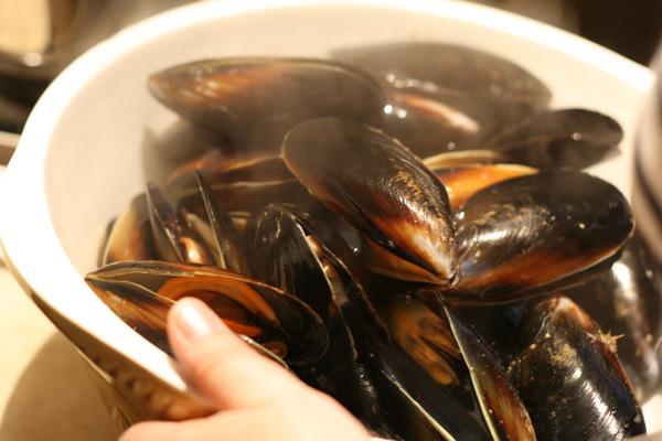 Black Mussels with Chorizo, Chilli, Tomato and Pearl Pasta ...