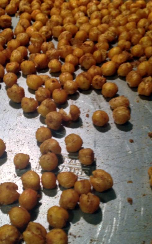 1-Spiced Roasted Chickpeas_on pan roasted-001